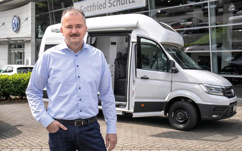 Nutzfahrzeugspezialist Milan Neufeld ist Experte für Sonderauf- und umbauten.