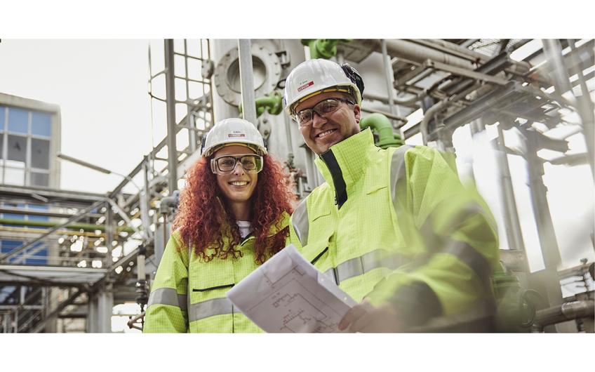 Unser qualifiziertes und engagiertes Team unterstützt mit individuell ausgearbeiteten Instandhaltungsprojekten Kunden der Chemie und Petrochemie und gewährleistet somit Anlagenverfügbarkeit und -sicherheit