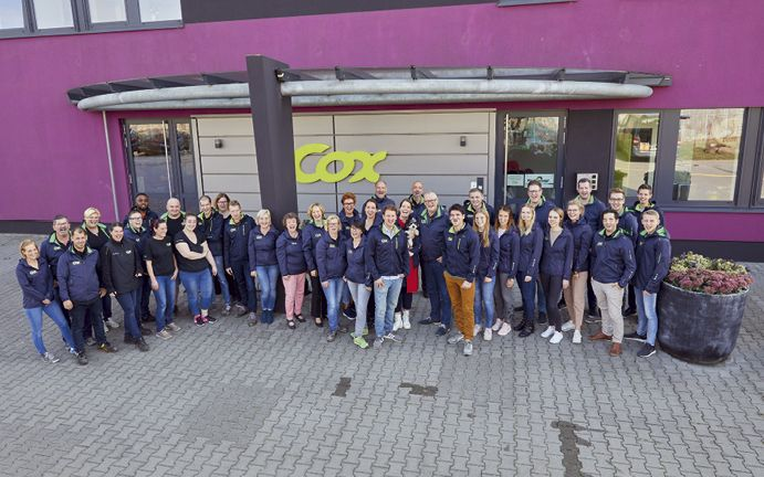 Die Mitarbeiter und Mitarbeiterinnen der Unternehmensgruppe Cox