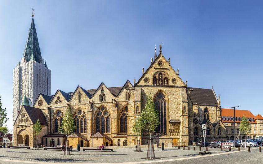 Der Hohe Dom St. Maria, St. Liborius, St. Kilian zu Paderborn, Kathedralkirche des Erzbistums Paderborn (Foto: ©pure-life-pictures - stock.adobe.com)