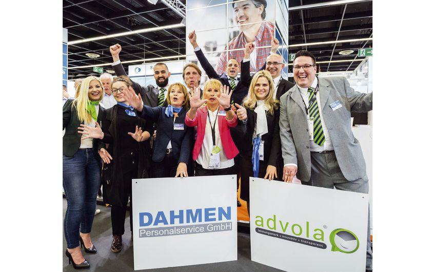 Das Team von DAHMEN Personalservice GmbH mit den Kollegen der Tochtergesellschaft advola GmbH auf der Zukunft Personal 2019 in Köln (Foto: Jacqueline Wardeski)