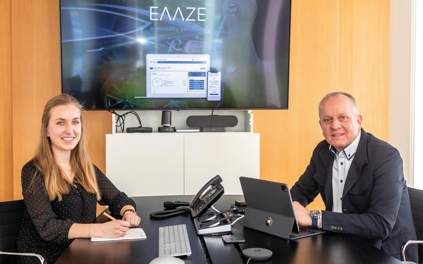 Projektmanagerin Esther Heupel mit Geschäftsführer Roland Albers (© Bernd Oberheim)