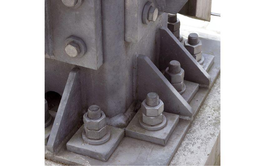 Verschraubte Konstruktion aus verzinktem Stahl (Foto: ©Wiski  – stock.adobe.com)