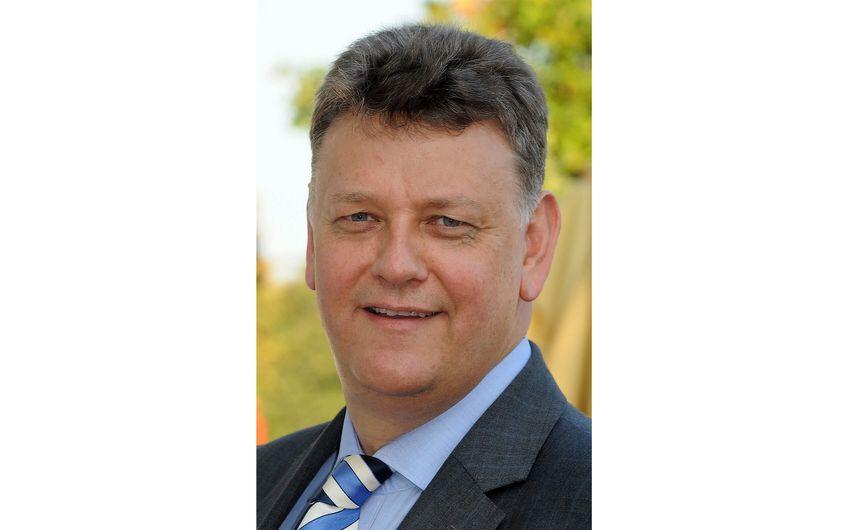 Autor Dipl.-Betriebswirt Axel Deilmann ist Inhaber der Deilmann Business Consulting in Essen. Fragen beantwortet er gerne unter deilmann@deilmann-bc.de. Deilmann Business Consulting ist auf Fördermittel- und Krisenmanagementberatung sowie auf das Thema der Unternehmensnachfolge für KMU spezialisiert