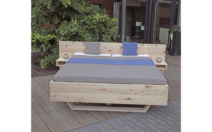 Metallfreie Zirbenholzbetten werden nach Kundenwunsch angefertigt (Foto: © HHolztec)