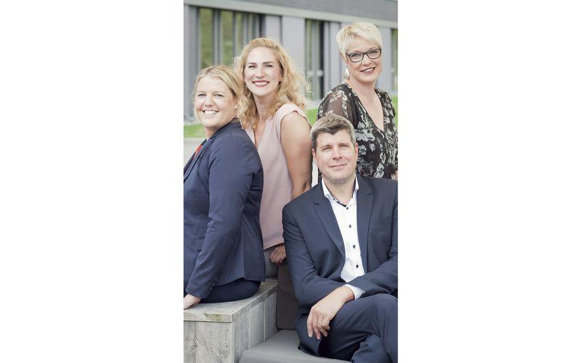 Silke Dall (Schulungsleitung), Simone Pütter  (Teamassistenz), Frank Pleimann (Schulungsleitung) und Alexandra Jäger (Vertriebsinnendienst Schulung) (v.l.)
