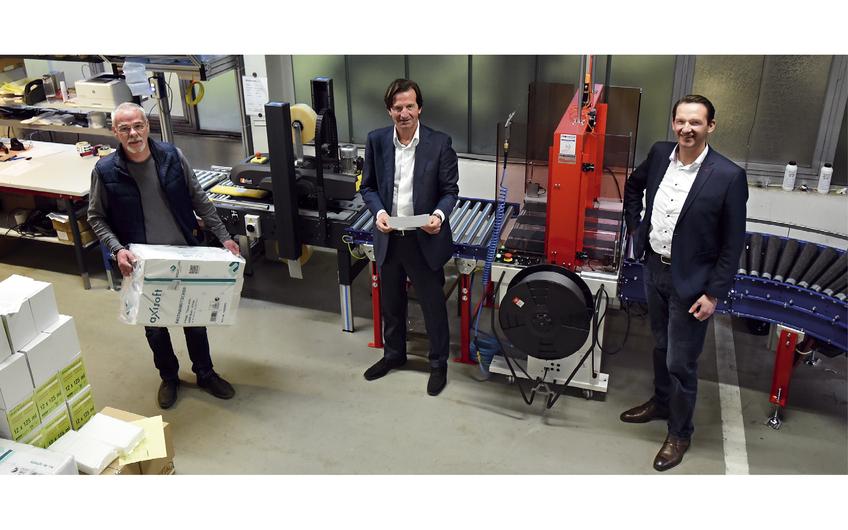 Lager- und Logistikleiter Heribert Wichmann, Geschäftsführer Alessandro Wernli und Vertriebsleiter Christian Wauters (v.l.) (Foto: Gerd Lorenzen)