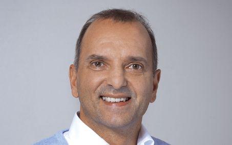 Claudio Florit ist Leiter der Verpackungsentwicklung bei der Wellkistenfabrik Fritz Peters GmbH & Co. KG und beantwortet Fragen gerne unter:  Claudio.Florit@Peters-Wellpappe.de