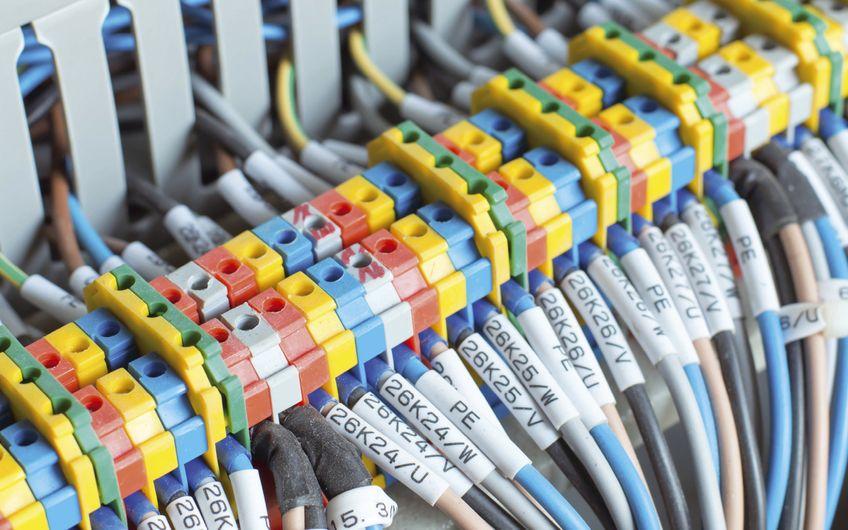 Steuerungs- und Schaltanlagenbau: Am Puls der Produktion