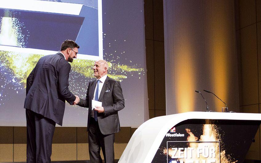 Wolfgang Fritsch-Albert übergab den Staffelstab an Dr. Thomas Perkmann