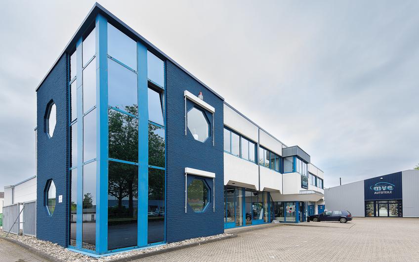 Hauptsitz der M. van Eyckels Autoteile GmbH und Co. KG in Kleve (© Siegfried Dammrath)