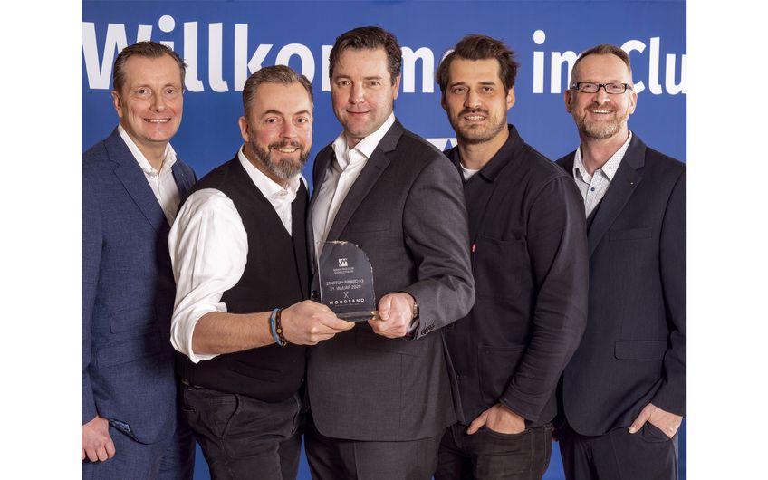 StartUp Award #3 für die Sauerland-Distillers – Till Brauckmann,  Dr. Moritz Dimde, Gregor Biedrzycki (die drei feschen Jungs in der Mitte)(Foto: stoll gmbh - studio für fotografie)