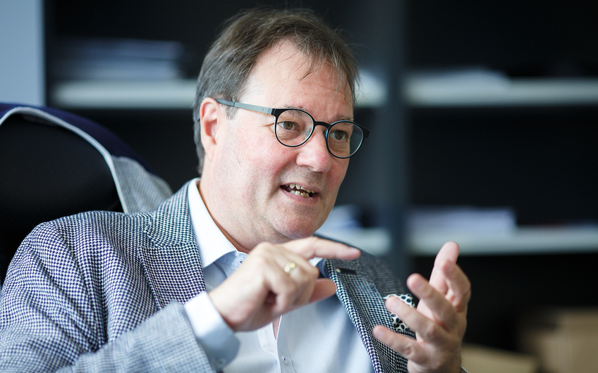 Geschäftsführer Armin van Eyckels im Gespräch (© Siegfried Dammrath)
