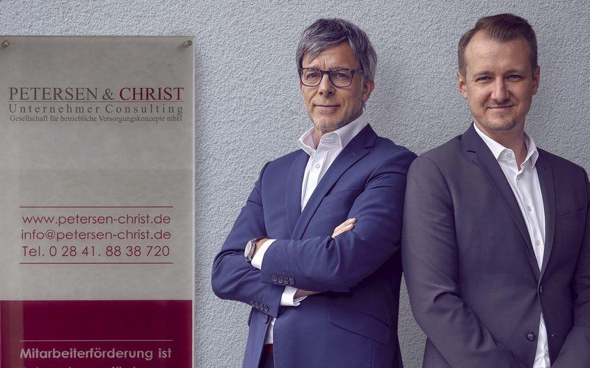 PETERSEN & CHRIST · Unternehmer Consulting · Gesellschaft für betriebliche Versorgungskonzepte : Wettbewerbsvorteile im Recruiting und effektive Maßnahmen zur Bindung qualifizierter Mitarbeiter