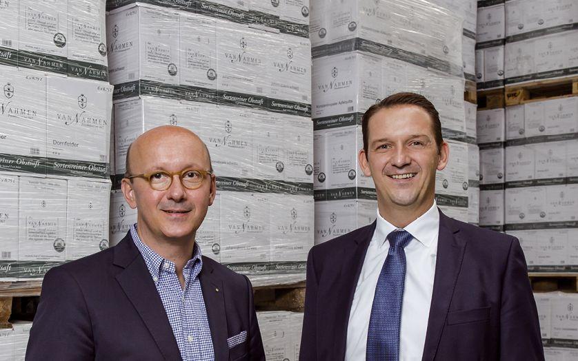 Geschäftsführer Dr. Peter van Nahmen und Christian  Wauters, Vertriebsleiter Wellkistenfabrik Fritz Peters (v.l.) (Foto: Wort & Lichtbild)