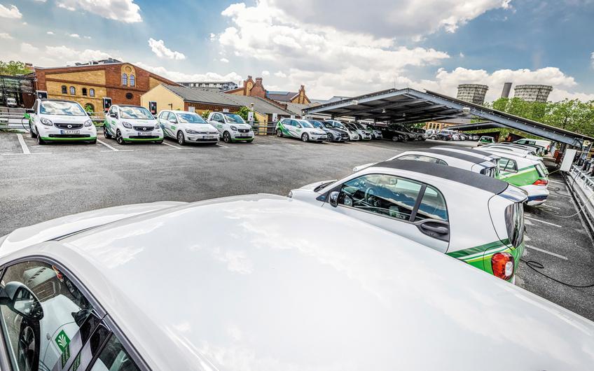 Mehr als 60 reine E-Fahrzeuge nutzt der Versorger bereits (© Jochen Rolfes)