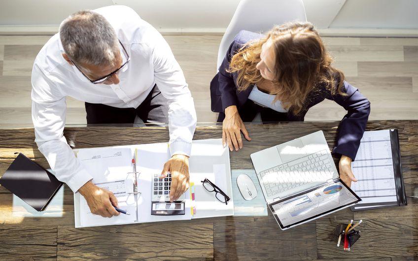 Bundesfinanzminister Olaf Scholz (SPD) will eine Finanztransaktionssteuer nach französischem Modell einführen.  Das stellt Steuerberater vor neue Herausforderungen, denn ihre Kunden werden sich mit vielen Fragen an sie wenden (Foto: ©Andrey Popov– stock.adobe.com)
