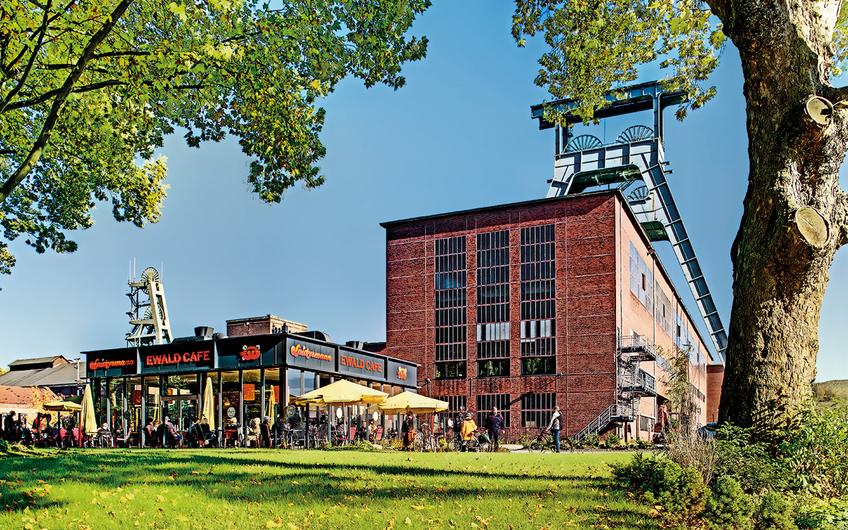 Das Ewald Cafe: Als die Sanierung des Bergwerkes begann startet die heimische Bäckerei mit einem Verkaufswagen für die Bauarbeiter. Inzwischen ist das Ewald Cafe ein beliebter Treffpunkt für Standortmitarbeiter und Touristen (© aller Fotos: RAG Montan Immobilien, Fotograf: Thomas Stachelhaus)
