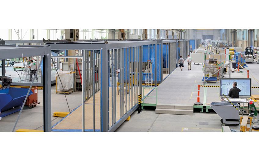In der Raumfabrik werden Modulgebäude ressourcenschonend mit einem Vorfertigungsgrad von bis 80 Prozent industriell produziert