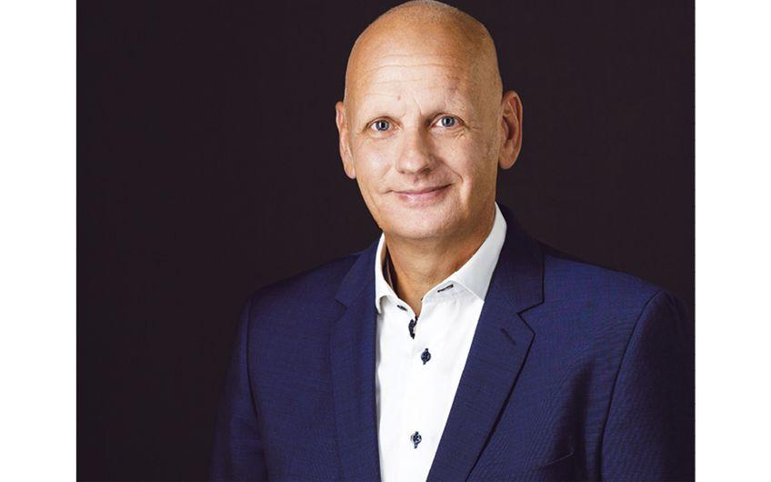 Klaus Hoven, Diplom-Ingenieur und  Vertriebsleiter der neusser formblech