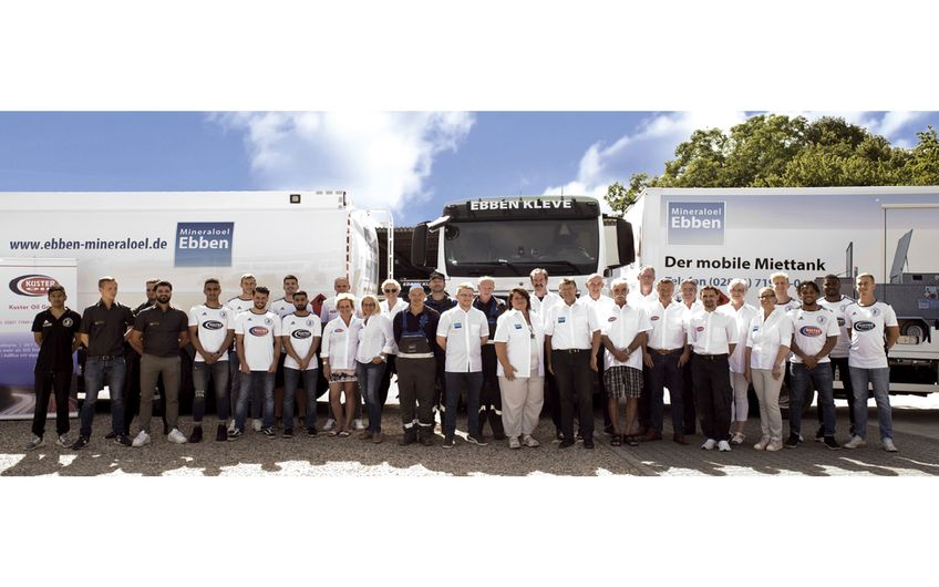 Das Team der Firma Ebben setzt sich aus 15 Mitarbeitern in Verwaltung  und Fuhrpark sowie weiteren 25 an den Kuster-Tankstellen zusammen