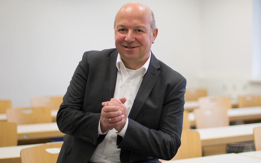 Prof. Dr. Wolfgang Buchholz, Professor für Organisations- und Logistikmanagement am Institut für Prozessmanagement und Digitale Transformation (IPD) der Münster School of Business (MSB) (© Patrick Lückmann)