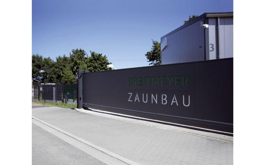 Der Firmensitz in Dormagen (Foto:Steffi Greuel)