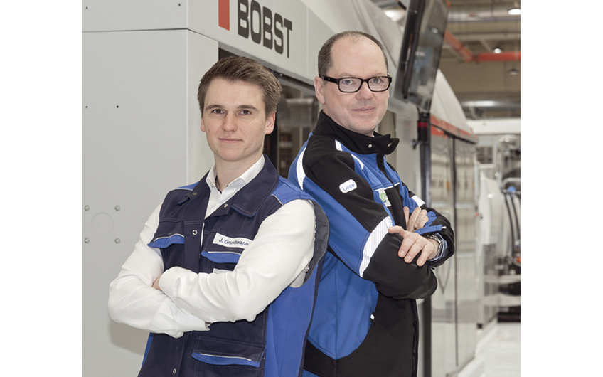 (v. l. n. r.) Betriebsleiter Jonas Grundmann und Geschäftsführer Winfried Flemmer
