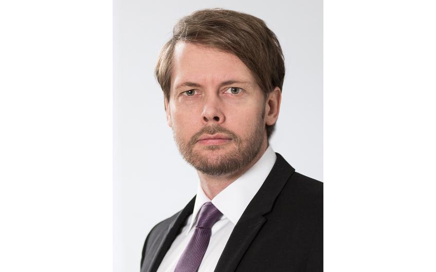 Dr. Stefan Tewes lehrt an der FOM Hochschule für Oekonomie & Management