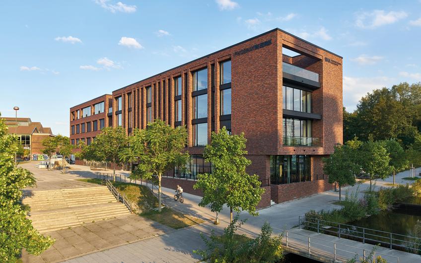 SHA Scheffler Helbich Architekten: PhoenixWERK: neues Arbeiten vor historischer Kulisse