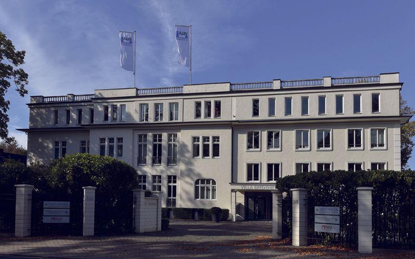 Die Familie Brockhoff ist als Investor an Gewerbeobjekten wie z.B. der Villa Bredeney beteiligt