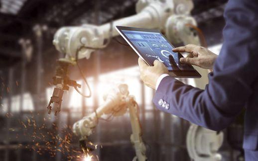 Industrie-Elektroniker: Spannung für die Industrie