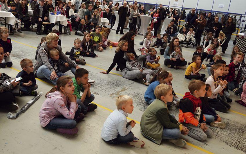Über 700 Erwachsene und Kinder kamen zur Jubiläumsfeier