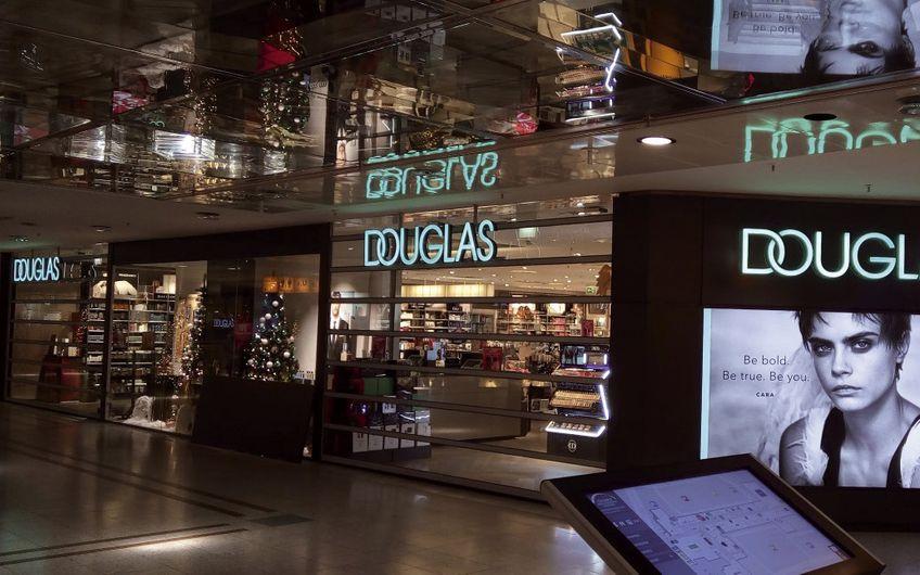 """""""Neickenpartner kann Filialisten"""": Das Team rüstet euuropaweit derzeit beispielsweise 930 Douglas-Stores innerhalb von 12 Monaten auf das neue Corporate Design um."""