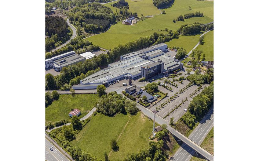 Verwaltung und hohe Fertigungs-tiefe am Standort Meinerzhagen (Foto: gwk)