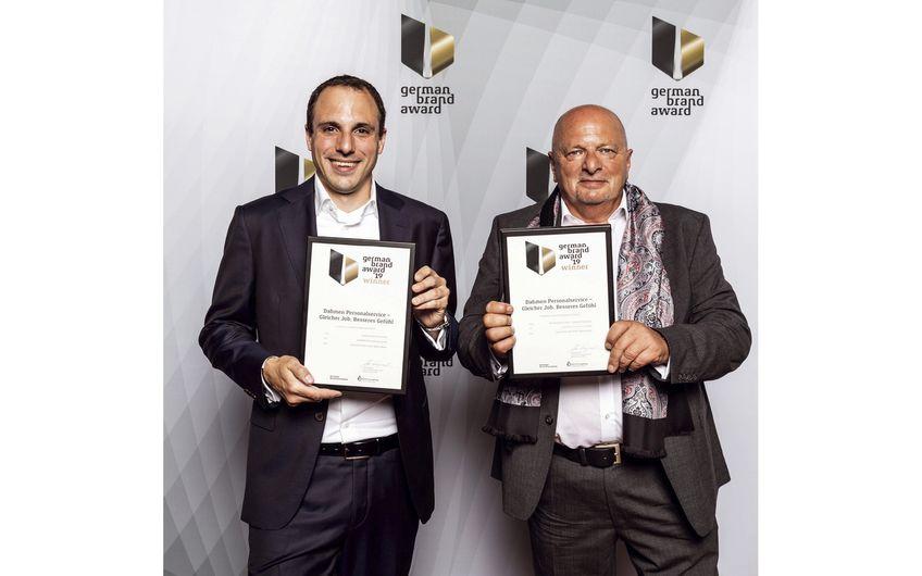 Die Geschäftsführer erhalten den German Brand Award 2019 in Berlin (Foto: Jacqueline Wardeski)