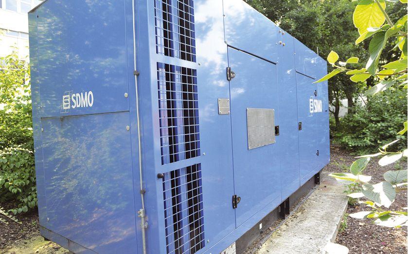 Wenn die städtische Stromversorgung ausfällt, übernimmt sofort die hauseigene Notstromversorgung