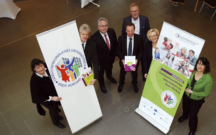 """Kreis Herford: Auszeichnung als """"Familienfreundliches Unternehmen im Kreis Herford"""""""