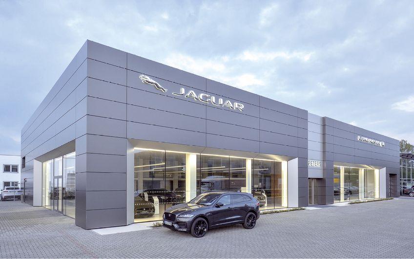 Der modernisierte Jaguar-Bereich  bei Premium Cars Peters in Dortmund Foto: Jan Schmitz Werbefotografie