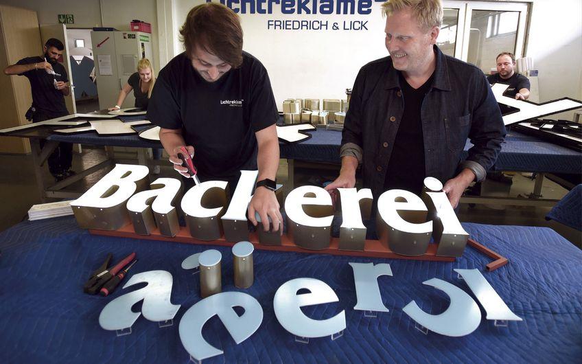 Friedrich & Lick: Lichtreklame mit Qualität
