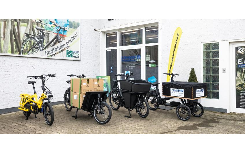 Viele verschiedene E-Cargo-Bikes zur Auswahl (© Dimitrie Harder)