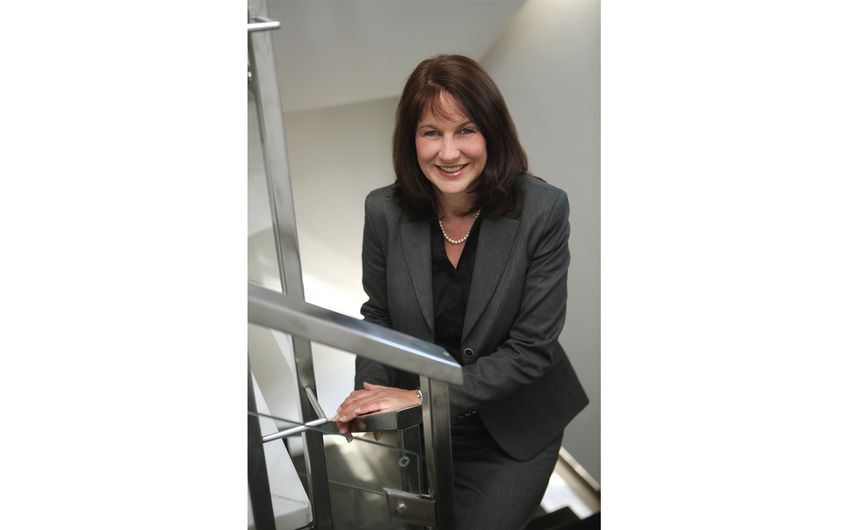 Silke Hauser ist Leiterin des Geschäftsbereichs Umwelt, Planen und Bauen der IHK Mittlerer Niederrhein (Foto: IHK Mittlerer Niederrhein)