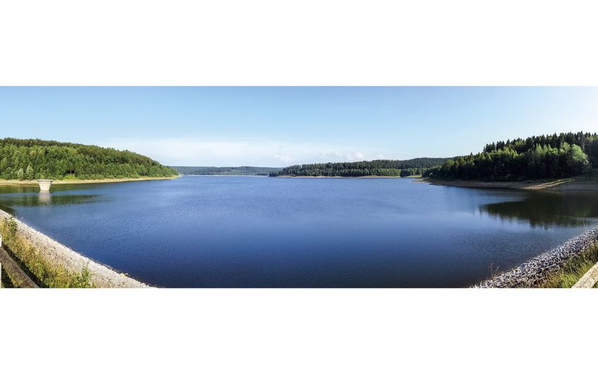 Paderborn ist bekannt für seine Wasserquellen, hier die Aabachtalsperre (Foto: ©alamos82 - stock.adobe.com)