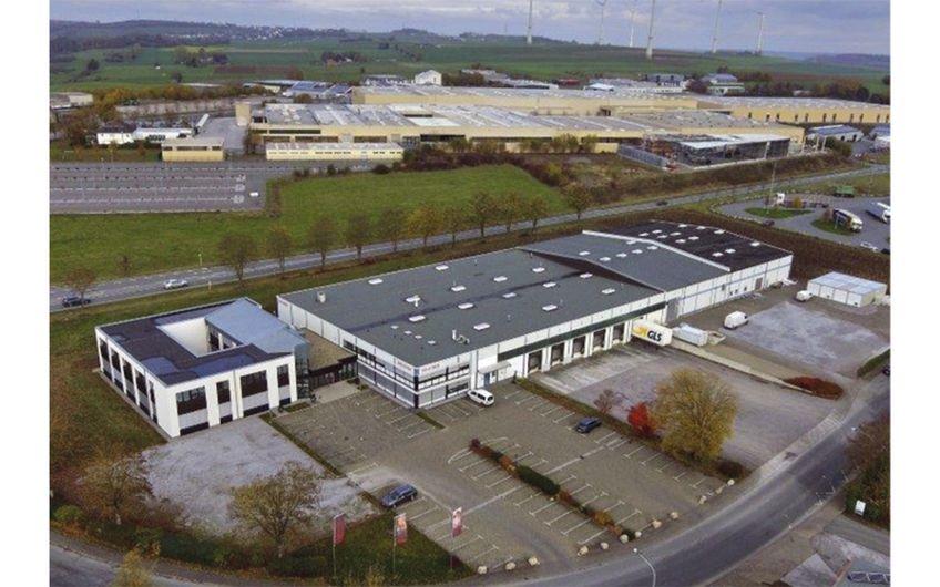 Jetzt große Gewerbeimmobilie mit Baulandreserve in Brilon sichern!