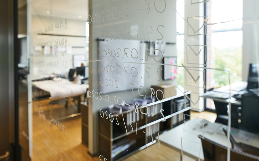 Moderne Büros lassen Raum für Ideen und kreatives Arbeiten (© SHA/Photodesign Christian Eblenkamp)