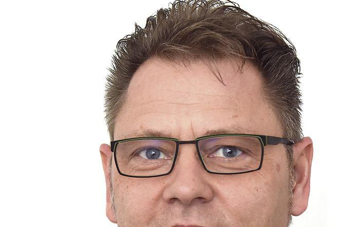 Der leitende Mitarbeiter Klaus Pasch kümmert sich von Geldern aus um die Kunden