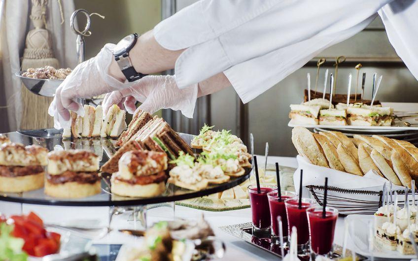 Cateringbranche: Cateringbranche: Nicht nur Gulaschkanone und  belegte Brötchen