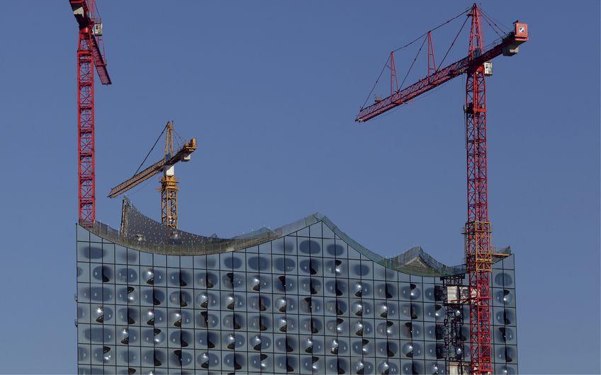 Die Haumburger Elbphilharmonie – ein tolles Bauwerk, wenn auch deutlich teurer als gedacht (Foto: © Fototippser – stock.adobe.com)