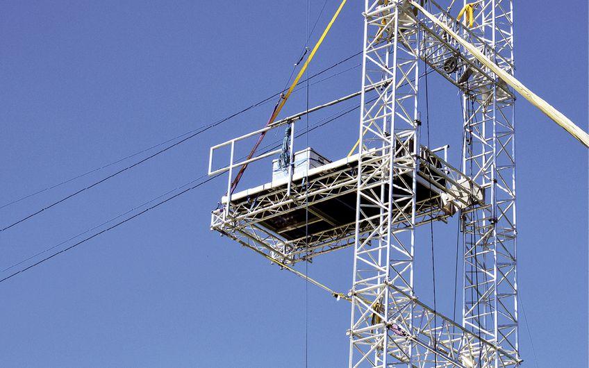 Die Anforderungen an die Branche wachsen weiter – es geht immer höher hinaus (Foto: © johnmerlin – stock.adobe.com)
