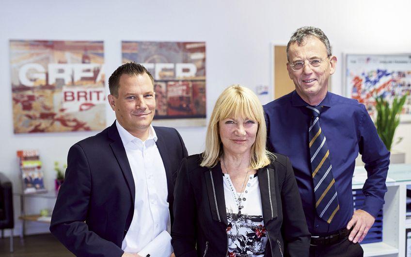 Junior Manager Stefan Stevens, Geschäftsführende Gesellschafter Sigrid und Michael Stevens (v.l.)
